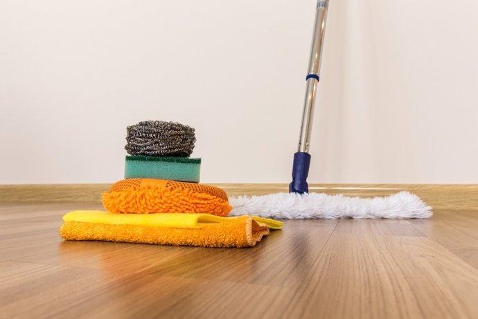 How To Clean Vinyl Floors With Vinegar An In Depth Guide