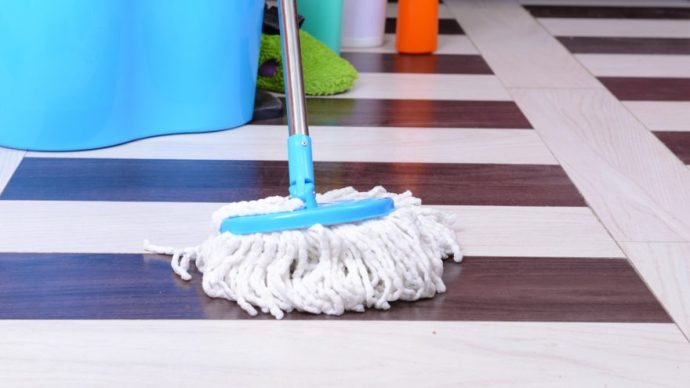 How To Wring A Mop Without A Wringer Floor Cleaning Tools
