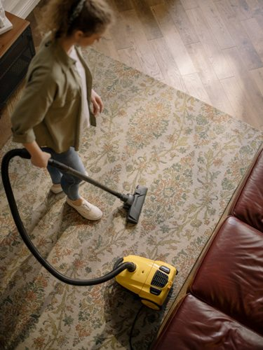 how-to-clean-a-carpet-with-bleach