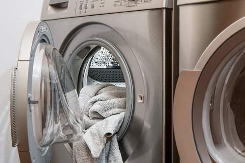 can-you-wash-sheets-and-towels-with-clothes