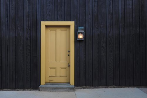 how-to-clean-and-polish-wood-doors