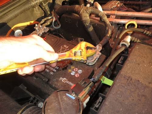 how-to-clean-battery-terminals-with-vinegar