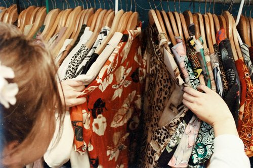 prepare-your-clothes-for-dry-cleaners-6-tips-to-protect-your-garments