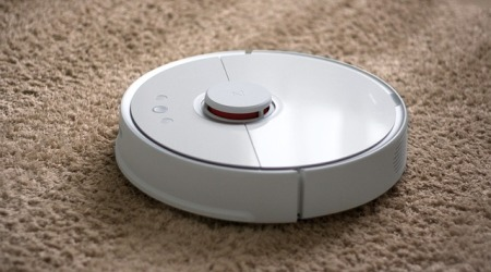 kind-of-vacuum-cleaner-works-well-in-corners
