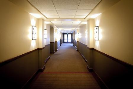 apartment-hallway-smells