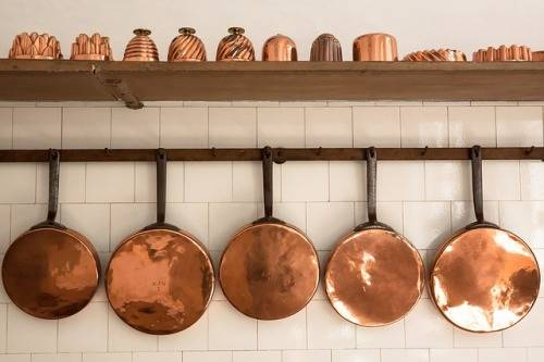 how-to-clean-a-red-copper-pan