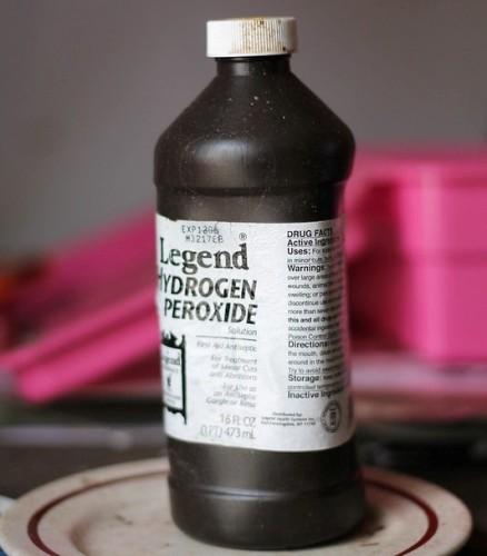 hydrogen-peroxide-clean-hardwood-floors