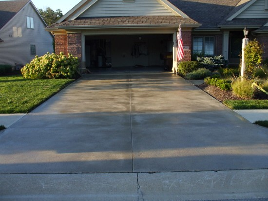 pros-and-cons-of-sealing-concrete-driveway